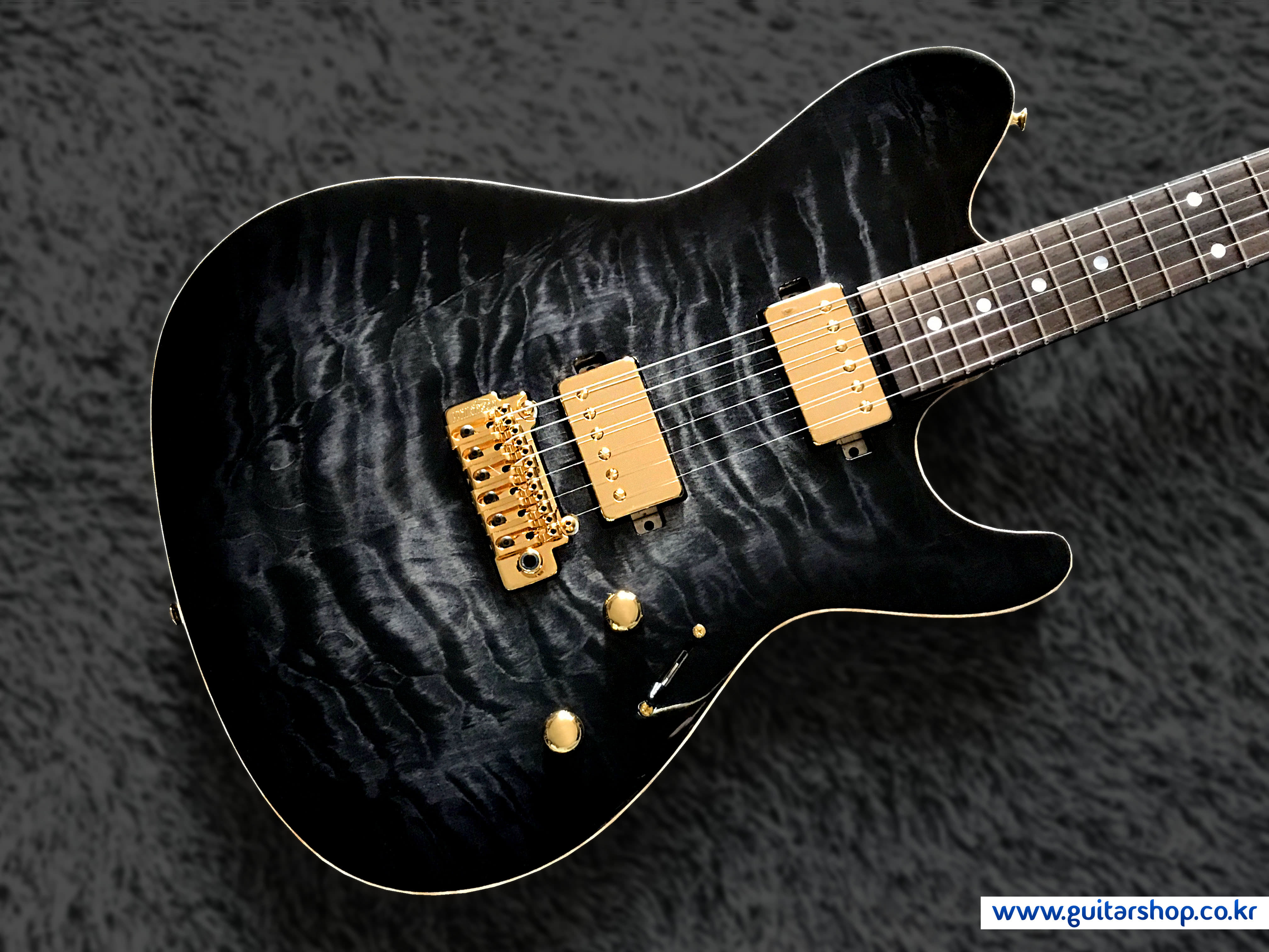 SUGI DS496IR (Seethrough Black) Guitarshop Limited Edition.