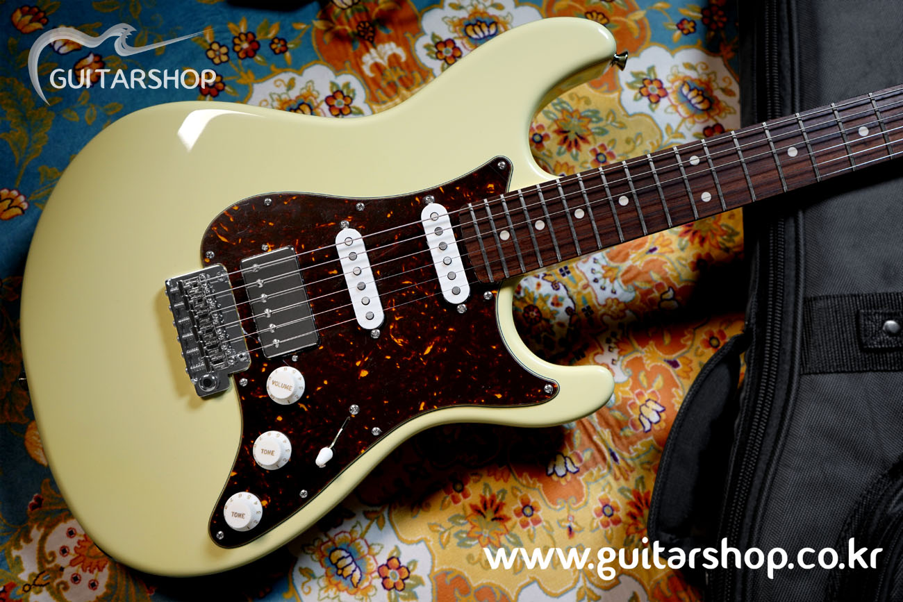 SUGI Stargazer Guitar Vintage White Color (Too Good To Be Series)